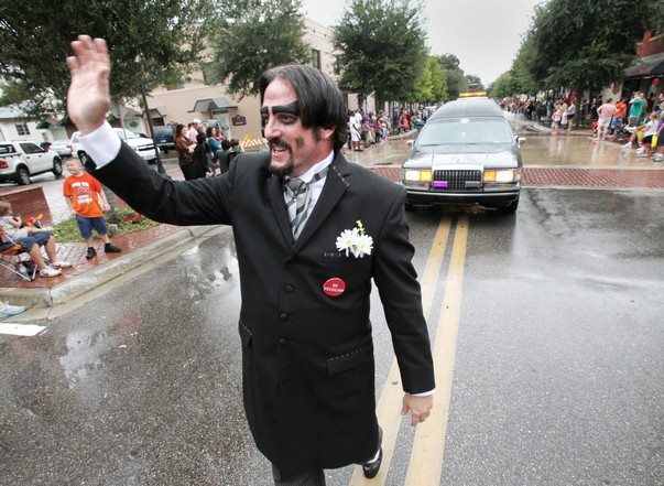 Dr. Paul Bearer parade